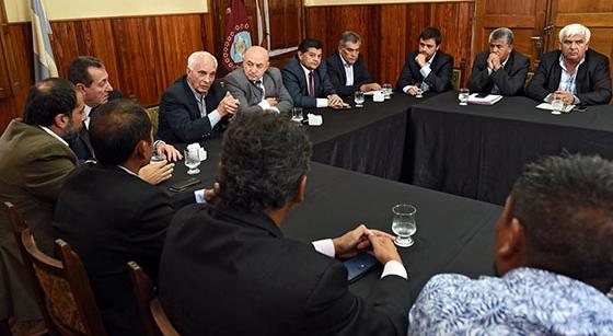 Reunión de López Arias con senadores provinciales